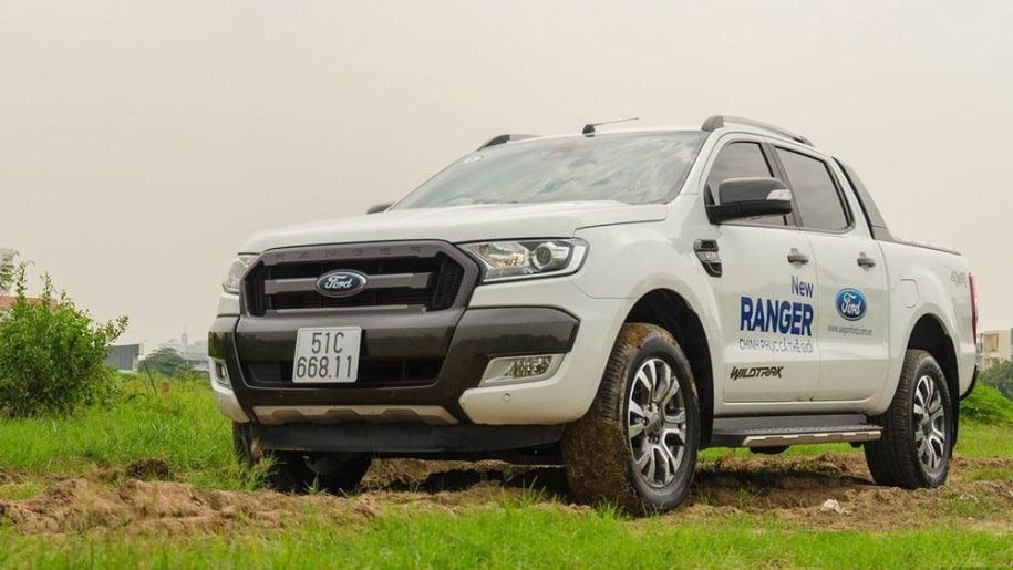 bac-buoc-xe-ford-ranger